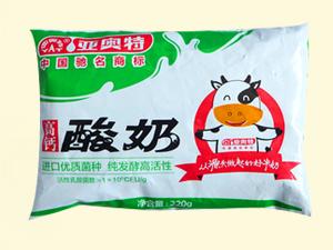 亚奥特 富钙酸奶