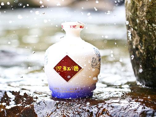 沉缸青花坛子酒(1.5L)